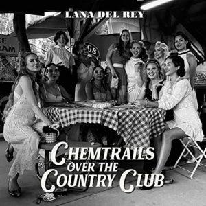 album art av Chemtrails Over The Country Club av Lana Del Rey - et sort hvit bilde av flere kvinner som sitter rundt bordet og ler
